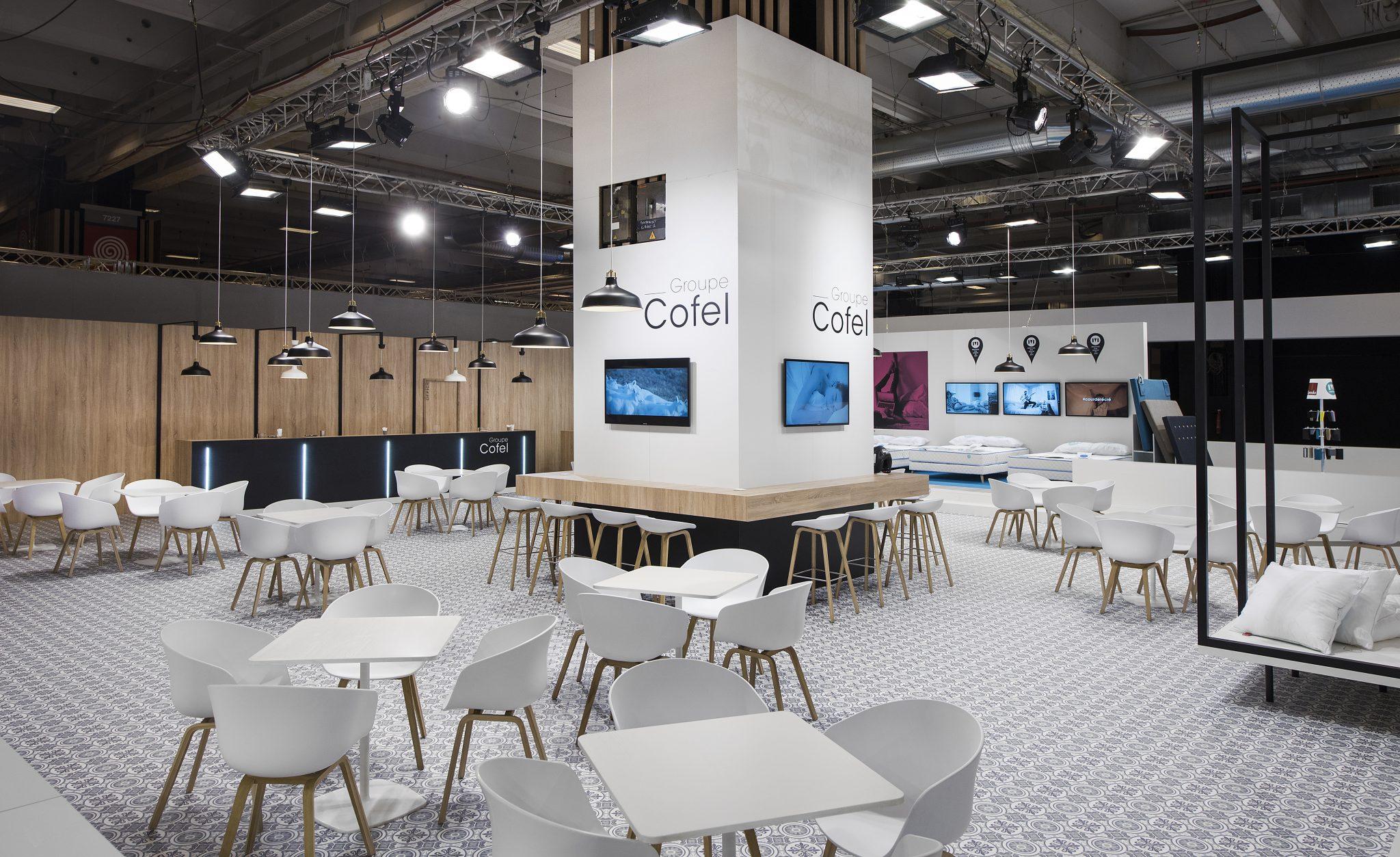 Stand cofel 1020 m salon esprit meuble stand 2b for Salon esprit meuble
